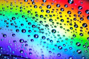 Arc-en-ciel-les-gouttes-de-pluie